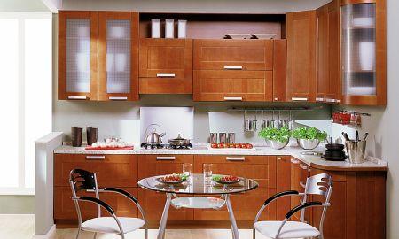 Деревянная кухонная мебель под заказ