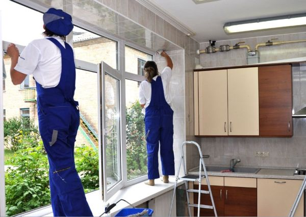 Уборка на кухне и мойка окон